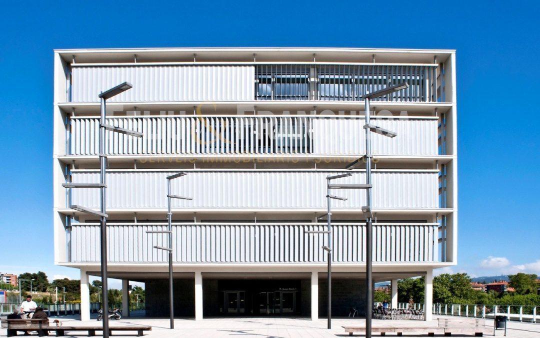 La immobiliària Feliu Franquesa celebra el seu primer aniversari a les noves oficines de Mira-sol